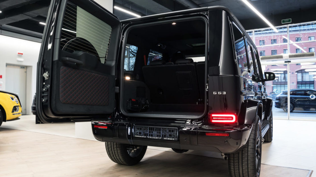 Mercedes benz g63 edition 1 w463 016 943x610